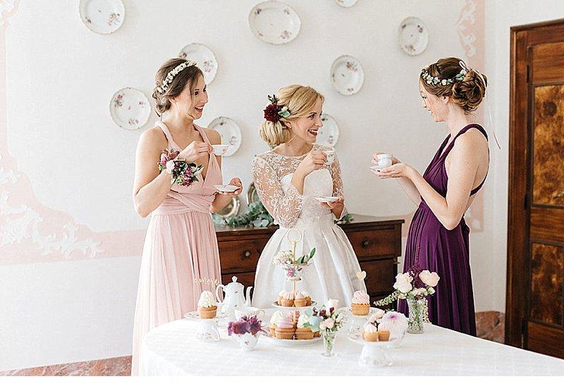 Hochzeitsetagere Brunch Bridemaids