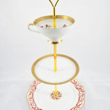 Etagere rot gold mit Tasse